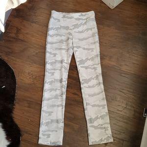 Lena Gabrielle White Camo pants sz4